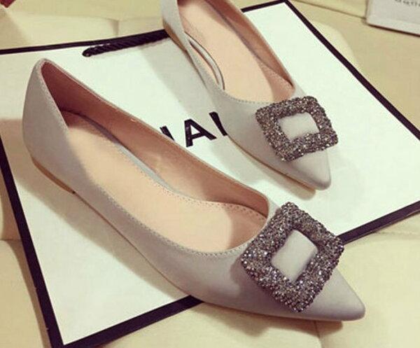 Pyf♥水鑽方扣綢緞面婚鞋伴娘鞋尖頭平底鞋43大尺碼女鞋