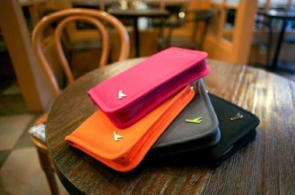 Life365:韓國旅行手拿包韓國可愛短夾護照夾小飛機多功能帆布短款護照包收納包行李箱【RB320】