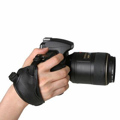 我愛買:我愛買#韓國製造Matin高級真皮手腕帶M-6743手腕帶(面積大.大底座)相機手腕帶大單眼相機錄影攝影機手脕帶單眼相機手腕帶單眼手腕帶單反手腕帶單反相機手腕帶DSLR手腕帶類單眼手腕帶輕單眼手腕帶微單眼手腕帶DC手腕帶手腕袋攝影手腕帶相機腕帶無反手腕帶Nikon手腕帶Canon手腕帶Sony手腕帶Pentax手腕帶Olympus手腕帶Panasonic手腕帶Fujifilm手腕帶適翻轉螢幕變焦恆定光圈單眼