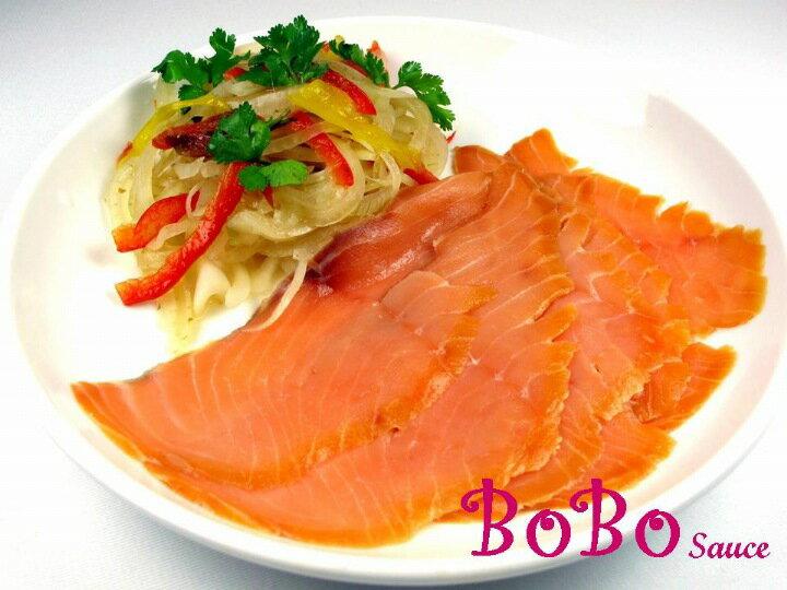 BOBO 食譜 - 泰式洋蔥醬菜+燻鮭魚