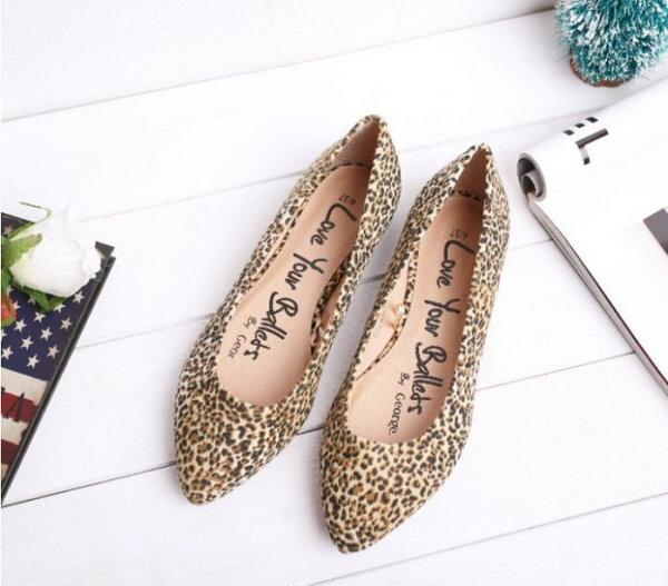 Pyf♥歐美小尖頭豹紋平底鞋舒適柔軟寬楦35-43大尺碼女鞋