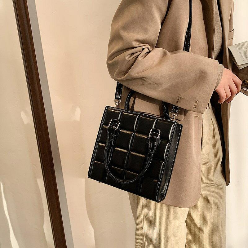 上新女士手提小包包女2020流行新款潮時尚休閒復古單肩斜挎小方包