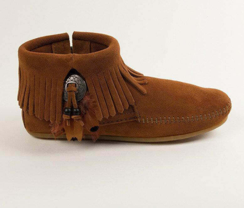 【Minnetonka 莫卡辛】棕色  - 麂皮流蘇羽毛踝靴 3