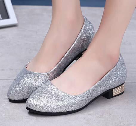 ☼zalulu愛鞋館☼ GE165  閃閃亮眼腳跟金屬裝飾圓頭粗跟低跟鞋~偏小~黑 金 銀