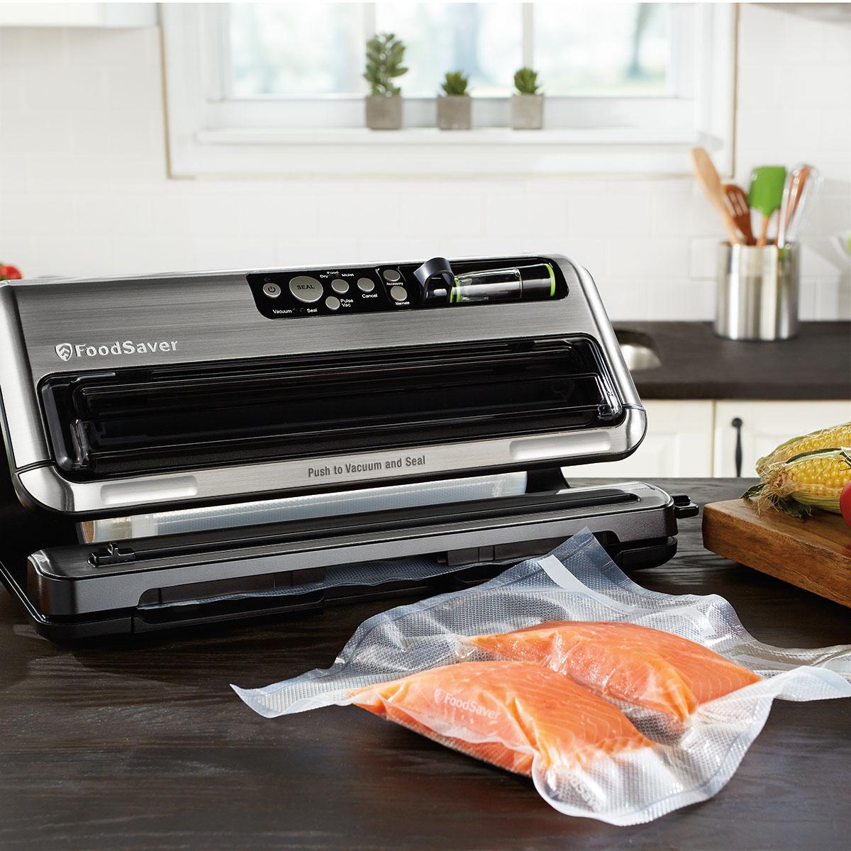 The FoodSaver FM5460 2-in-1 Food Preservation System FM5460-DTC 4