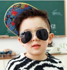 Kocotree◆時尚質感鏡框弧度紫外線護目兒童成人親子款炫彩太陽眼鏡-黑色(兒童/成人款)