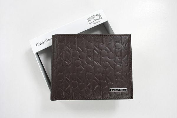 美國百分百【全新真品】Calvin Klein CK 男 真皮 皮夾 錢包 皮包 短夾 logo壓紋 黑色 超取 B358