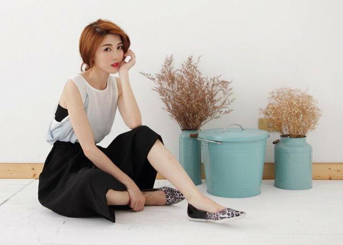 Pyf ~  訂製 超舒適軟膠底 漆皮黑色拼接豹紋 尖頭平底鞋 寬楦 40~42大 女鞋