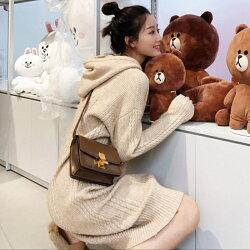 一個女孩的衣櫥--韓國東大門-韓系人氣商品!!韓系休閒風針織質感寬鬆麻花坑條連帽開岔連衣裙 3色  CP超高!!厚實~