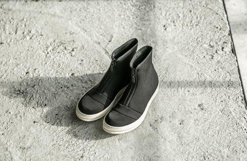 FINDSENSE服飾:FINDSENSEMD日系高品質時尚潮男拉鏈高幫低跟休閒鞋短靴