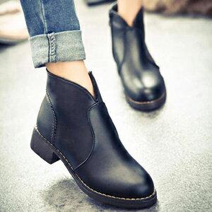 小V開口馬汀短靴