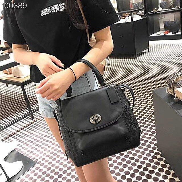 *vivi shop* 美國正品COACH F30525 新款限量女士素面全皮手提包 (小號) /後背包 /斜背包 代購Outlet專場 手感好 流行時尚個性 可當手提、後背包 或做單肩斜背包 一包三..