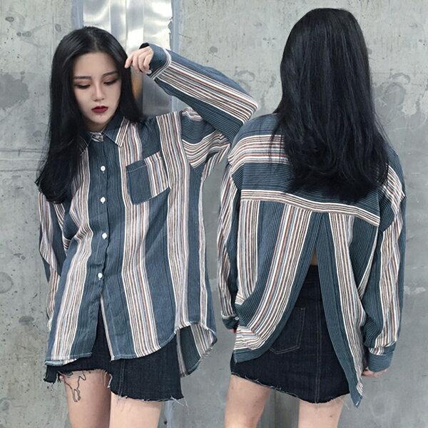 SISI【L6082】韓版復古條紋百搭翻領寬鬆背開叉露腰長袖襯衫上衣