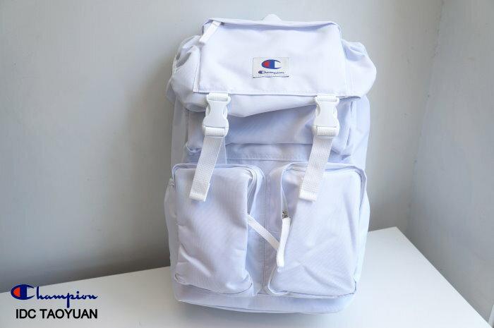 ►法西歐_桃園◄ Champion Backpack 日版 經典款 Logo 布章 電繡 尼龍 掀蓋 登山 後背包 白色