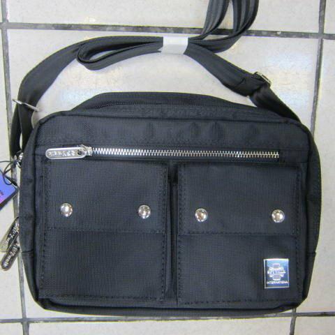 ^~雪黛屋^~SPYWALK 斜側包肩背包二層拉鍊主袋隨身品多袋口防水尼龍布 可放10寸平