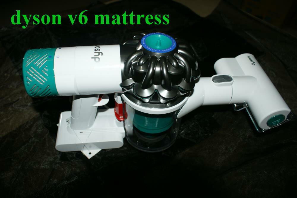 <br/><br/>  12/29到貨 Dyson V6 mattress HH08 無線除塵蹣機 吸塵器 手持 附4吸頭 白綠色 現貨 6期0% 保固一年 男生聖誕交換禮物<br/><br/>