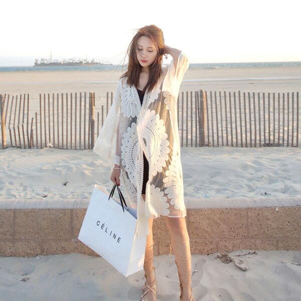 刺繡鏤空太陽花網紗防曬外套罩衫沙灘中大尺碼【39-15-85502-18】ibella艾貝拉