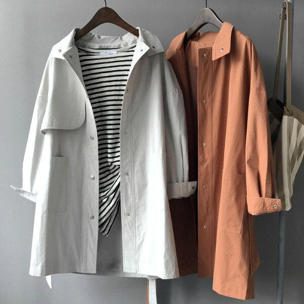 外套 簡約大口袋風衣大衣外套 韓 寬鬆/大尺碼 預購【82-25-8167】ibella 艾貝拉