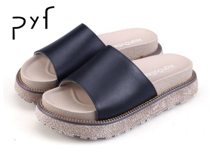 Pyf ~ 風 百搭 寬版一字皮革 素面真皮 厚底拖鞋43 大 女鞋