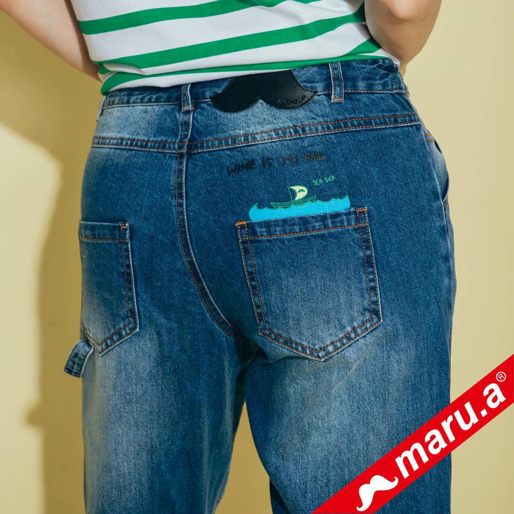 【maru.a】刷破鬍子車線裝飾後口袋小船印花牛仔長褲(2色)8325215 7