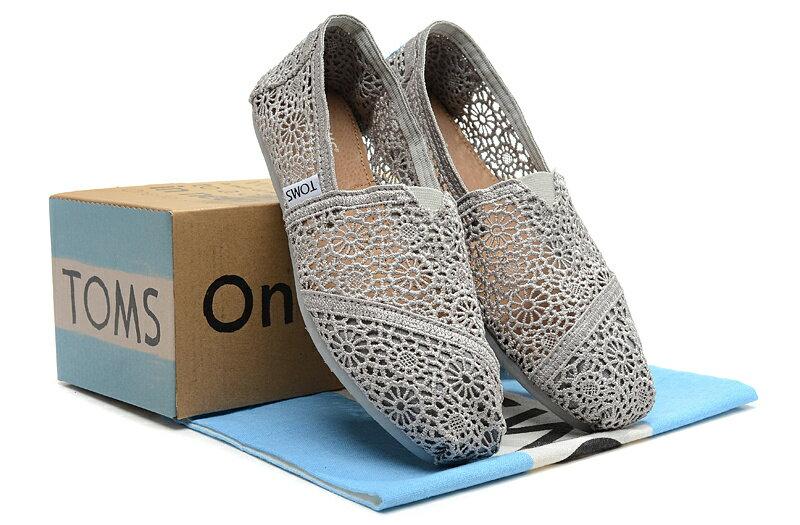 【TOMS】灰色蕾絲鏤空繡花平底休閒鞋  Grey Crochet Women's Classics【全店免運】 6