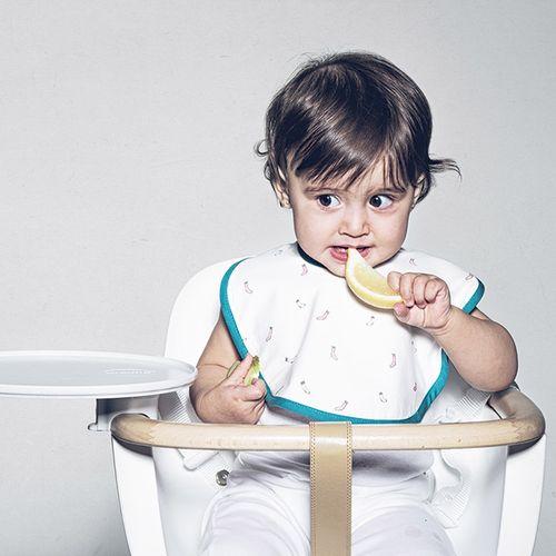 BabyBites 西班牙鯊魚咬一口 寶寶防水圍兜-快樂襪子★愛兒麗婦幼用品★ - 限時優惠好康折扣