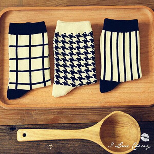 經典百搭黑白色系條紋格子襪超商取貨貨到付款批發【櫻桃飾品】【22442】