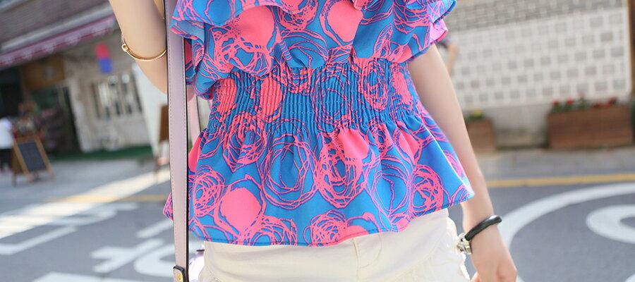上衣 - 平口露肩綁脖層層碎花縮腰上衣《3色》 藍色巴黎【27010】 現貨 3