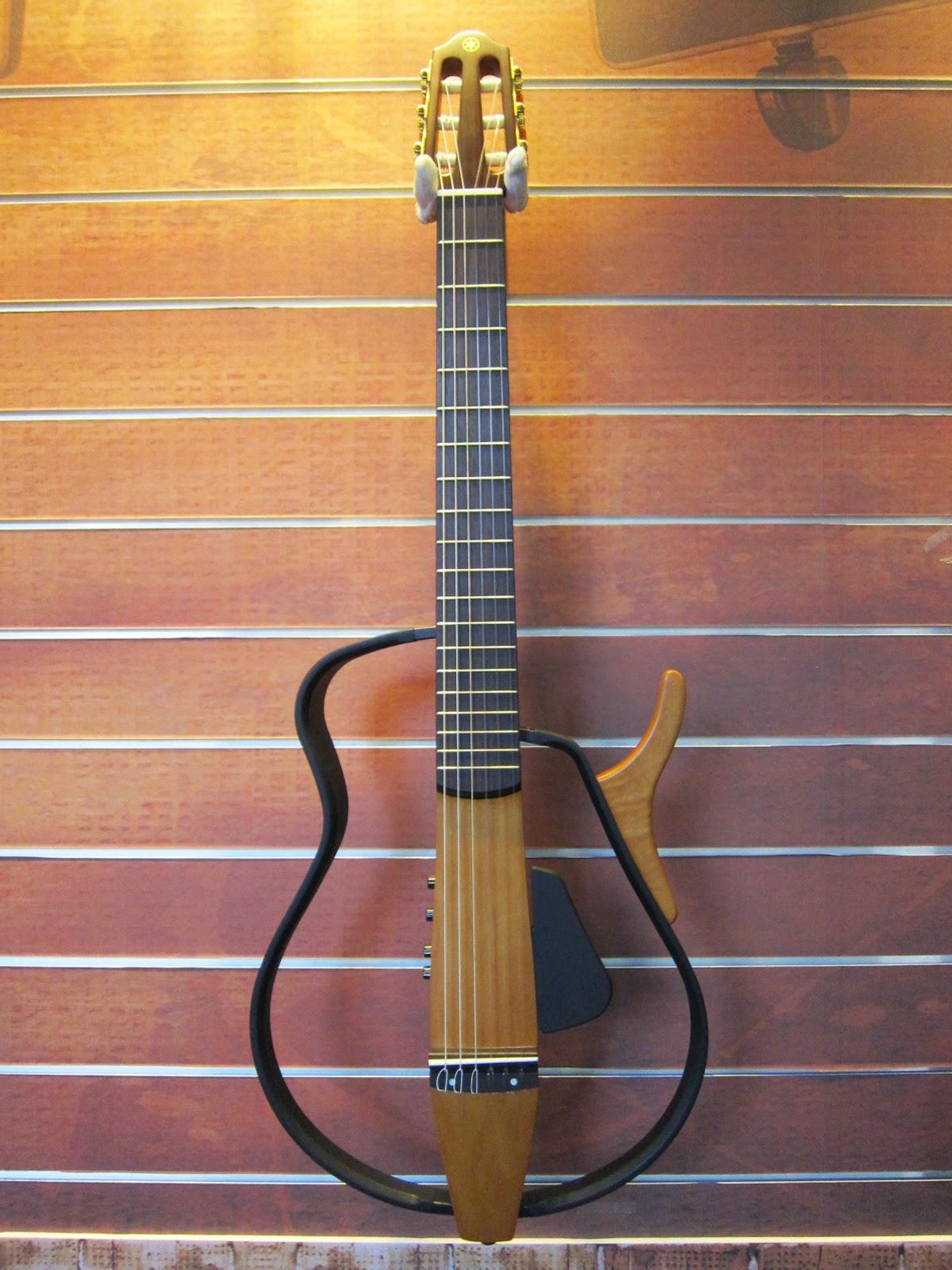 烏克時代~Yamaha靜音古典吉他SLG110N