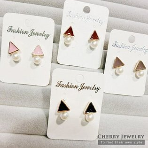 三角形垂墜珍珠造型耳環10322【櫻桃飾品】【10322】