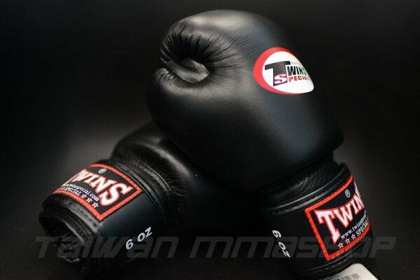 [古川小夫]小手專區MMA黑色手工真皮拳擊手套~拳擊名牌TWINS6oz拳擊手套~TWINS真皮拳套6oz