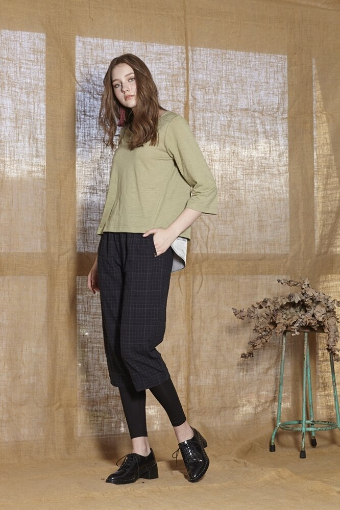 【 BEGONIA 】秋冬新品特價~素面棉料背面搭緞面上衣       NO.BG82253