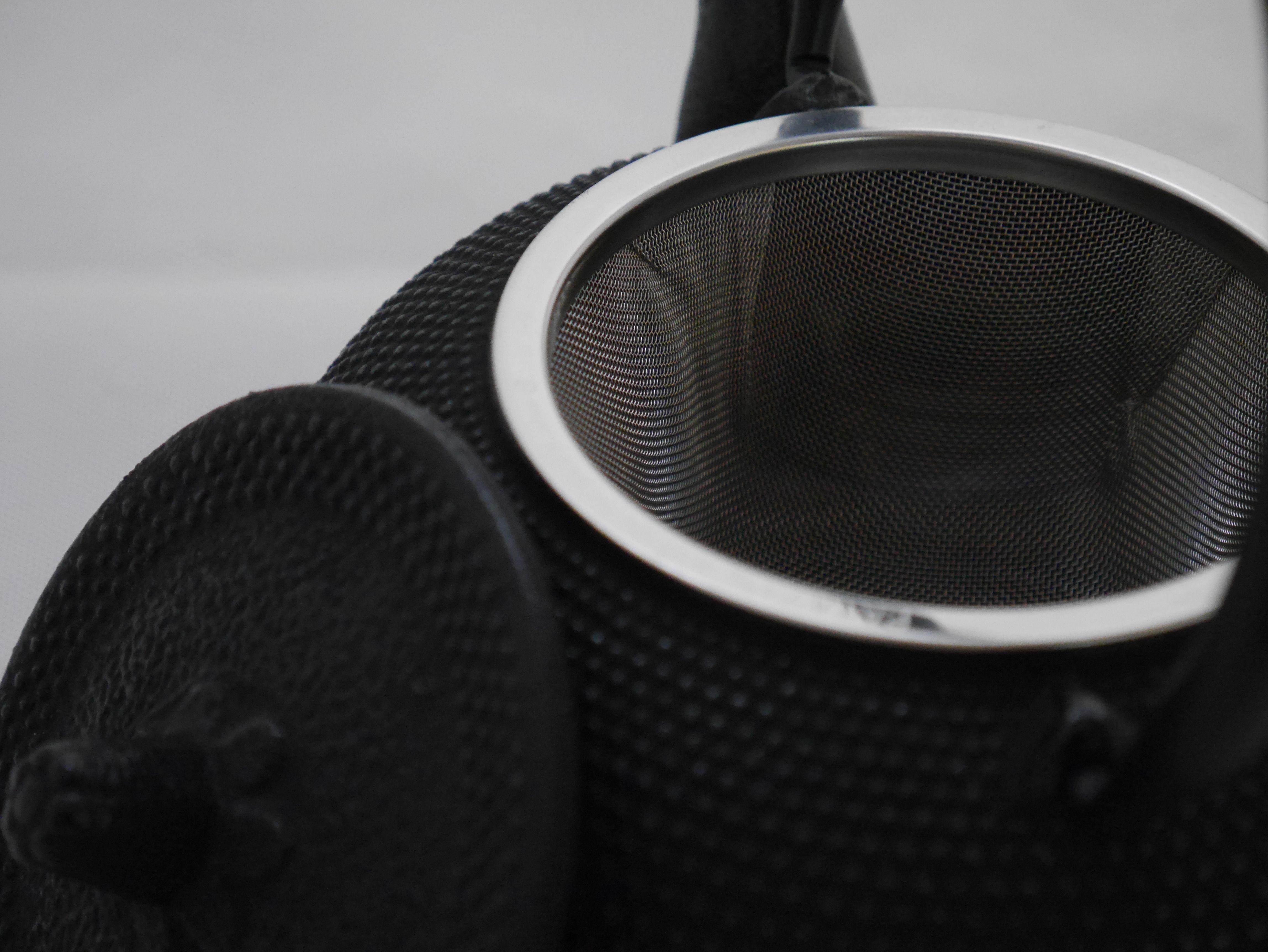 日本南部鐵器鐵壺《岩鋳製南部鉄器 急須丸アラレ0.5升*黑色》【曉風】 2