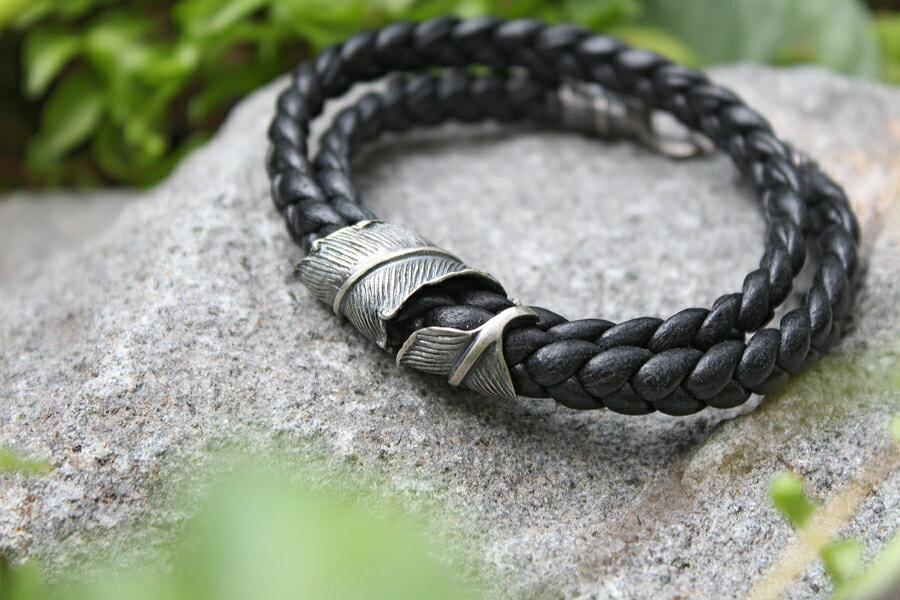 【現貨商品】【M.Cohen】編織皮革扣羽手環 (MC-B-10705-SLV 0977000004)