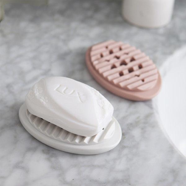 PSMall簡約鏤空瀝水洗刷肥皂盒【J874】