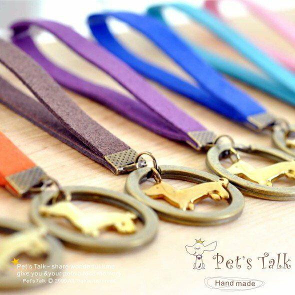 經典寵物飾品系列-繽紛8色臘腸狗吊飾鑰匙圈 Pet's Talk狗仔店~