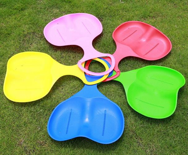 麗嬰兒童玩具館~兒童雙人滑草板 / 滑雪板 / 滑沙板 / 滑草片 / 滑草墊(加厚加大) 2