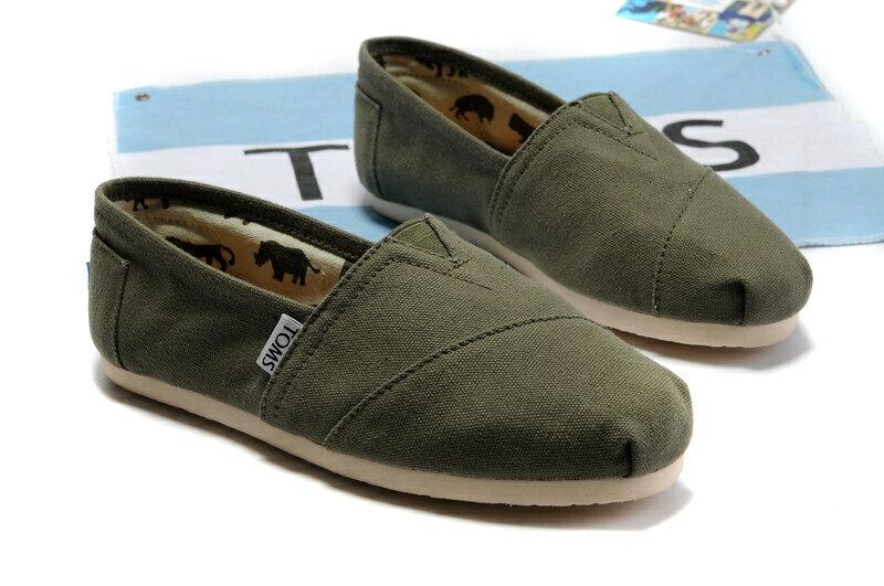 【TOMS】橄欖綠色素面基本款休閒鞋  Olive Canvas Women's Classics 4