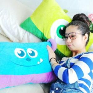 美麗大街【105032013】怪獸電力公司毛怪大眼怪長型枕頭 15寸 長枕 抱枕