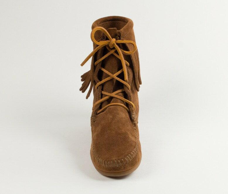 【Minnetonka 莫卡辛】深棕色 - 經典綁帶流蘇短靴 3