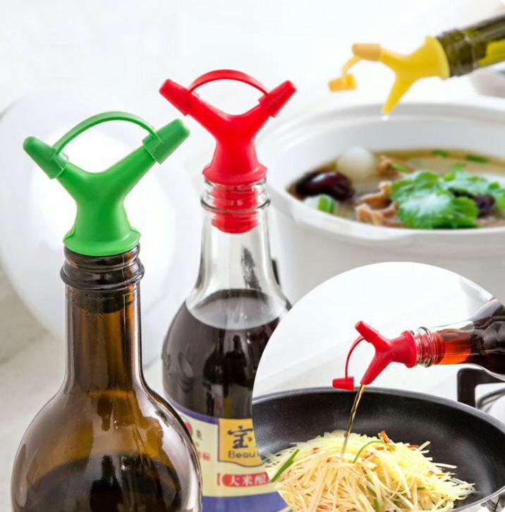 【省錢博士】雙頭醬油油瓶 / 紅酒嘴瓶塞斟倒器  19元