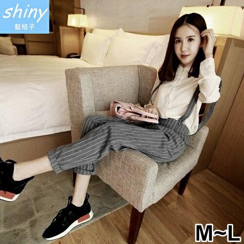 shiny藍格子:全店滿600折50【V2023】shiny藍格子-冬氛恬俏.條紋修身顯瘦小腳吊帶長褲