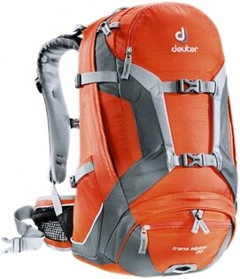 露營趣:【露營趣】中和送贈品德國deuterTransAlpine30L自行車背包登山背包休閒背包32223