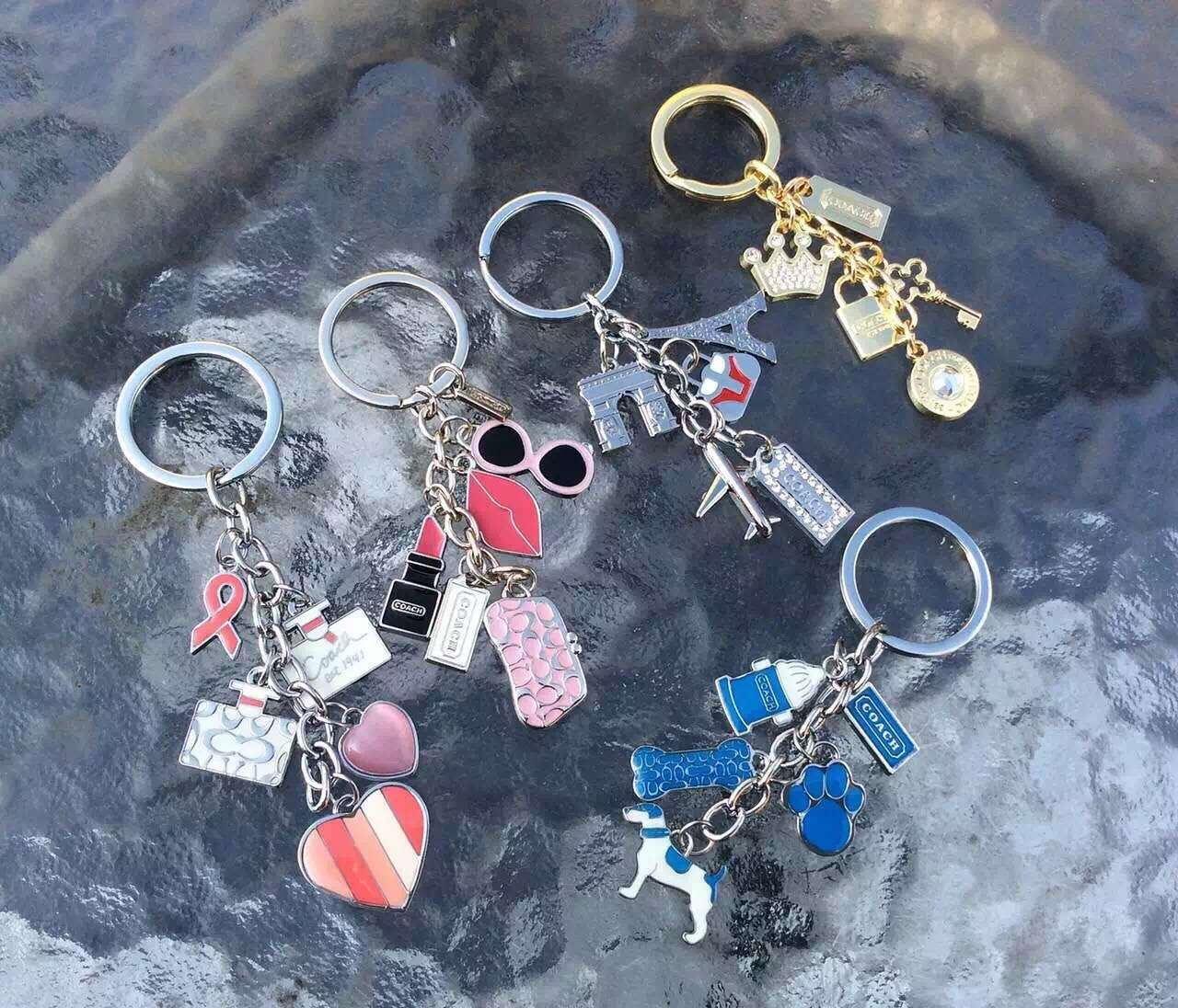 下單後再加50元就送COACH鑰匙扣一個,每人限購一件。