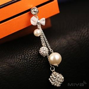 Miya米亞 大珍珠水鑽手機耳機防塵塞(手機吊飾 掛飾 3.5m耳機 綴飾 閃亮 手機塞 平板 配件 銀色)