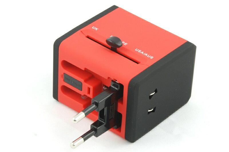 【凱樂絲】USB轉換插座 旅行好幫手 - 方形紅色-英美澳歐四大標準插腳 3