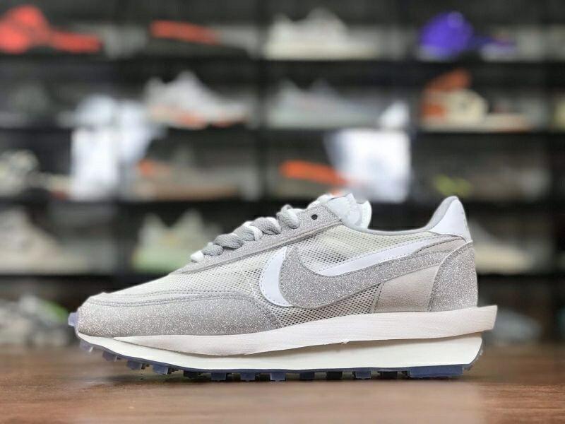 Nike LDWaffle x Sacai x Nike LDV Waffl