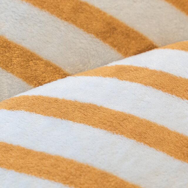 經典線條 羊羔絨暖被 內有充棉  可當棉被使用 150cmX195cm (正負5cm) 3