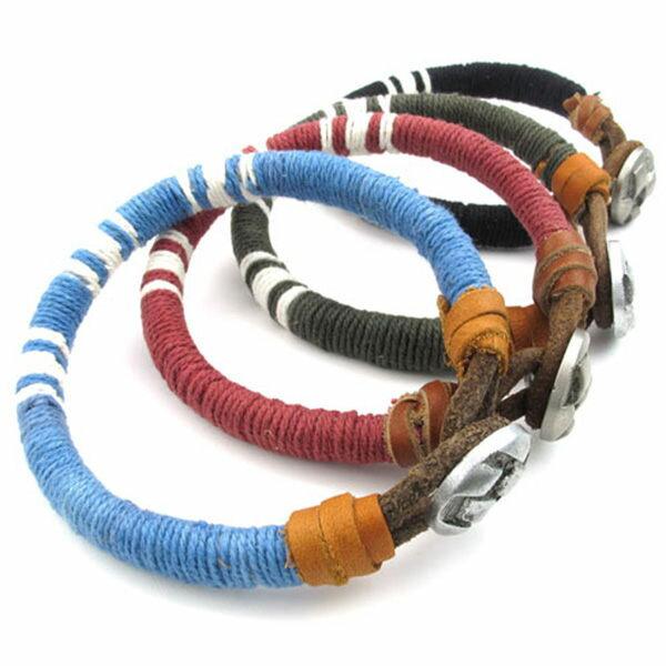 《QBOX》FASHION飾品【W10023079】精緻個性鈕釦飾條紋粗棉繩合金手鍊手環(四色)