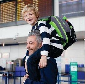 【淘氣寶寶】英國 Trunki BoostApak 兒童增高椅背包/汽車安全座椅與背包(綠)【保證公司貨】